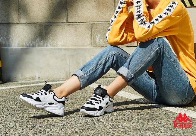 韓国メンズに人気なスニーカー2